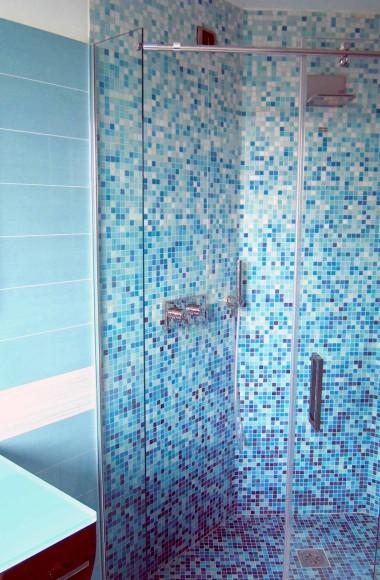 Box doccia tre lati realizzati su misura in cristallo e acciaio - Pareti doccia su misura ...