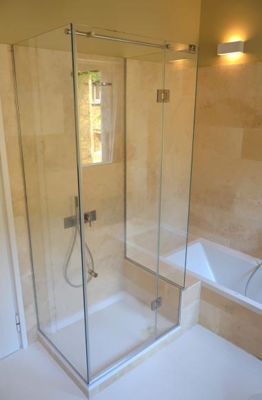 Box doccia tre lati realizzati su misura in cristallo e - Cabine doccia su misura ...