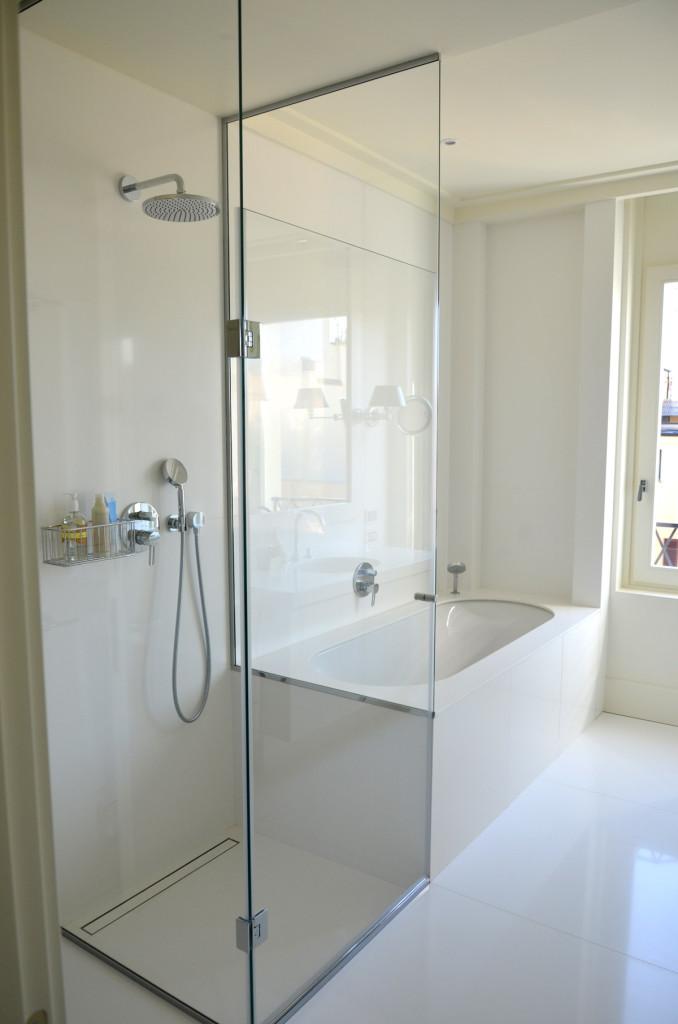 Box doccia per esterno immagini ispirazione sul design - Box doccia su vasca da bagno ...
