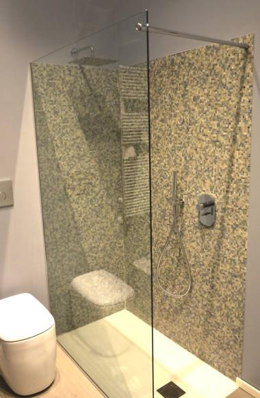 schermo fisso doccia con barra passante