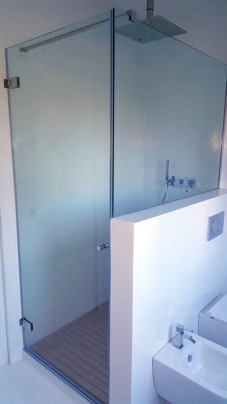 Box doccia su misura completo di piatto e pedana