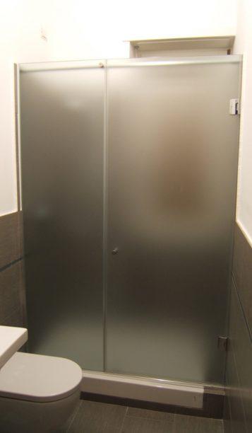 box doccia anta e fisso su misura