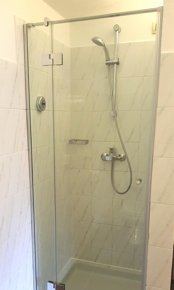 Box doccia su misura e pedane in legno su misura showroom milano romana - Box doccia su misura milano ...