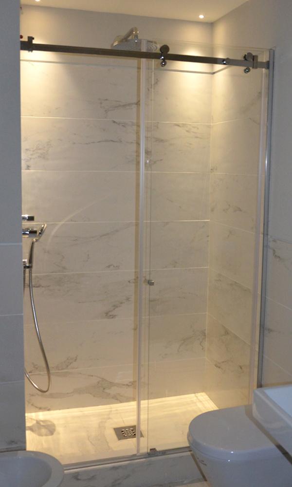 Box doccia su misura e pedane in legno su misura showroom milano romana - Cabine doccia su misura ...