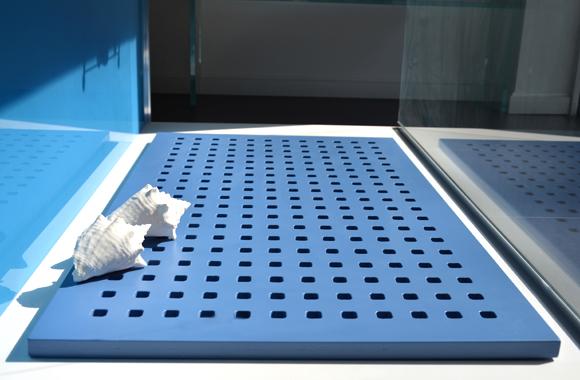 pedana doccia legno tinta blu